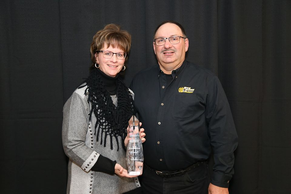 The EZ Manufacturing, founded by Bruce and Connie Goddard (Charles City, IA), received the Innovation Award